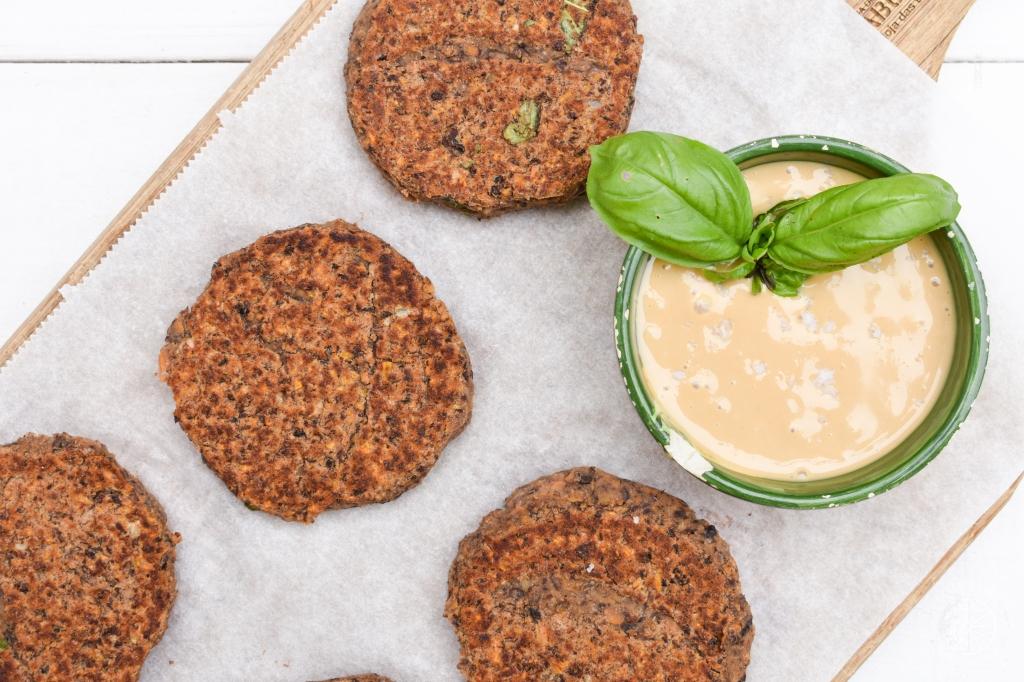 receita hambúrgueres vegan de feijao-preto