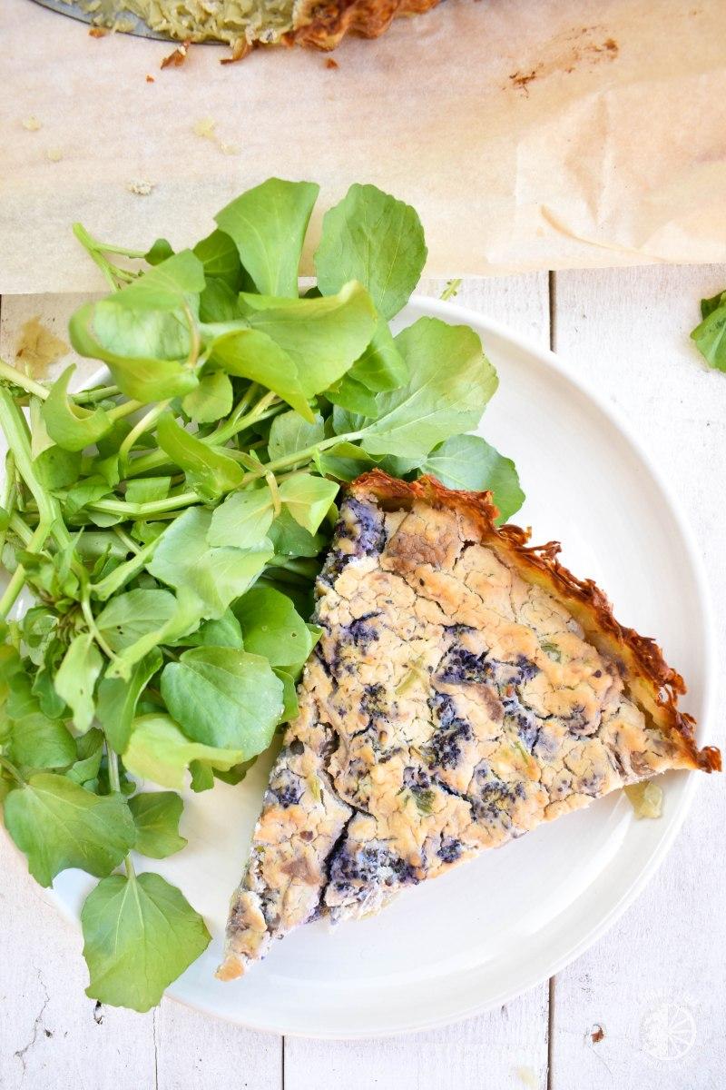 Quiche vegan de tofu e legumes